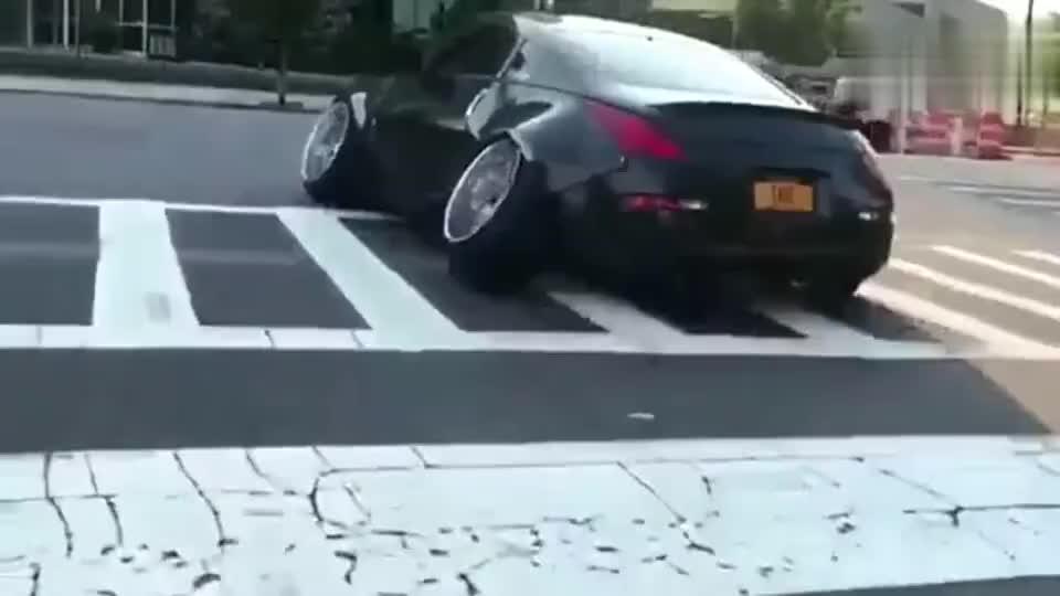开车的哥们你得有多重啊轮毅轴承都压断了