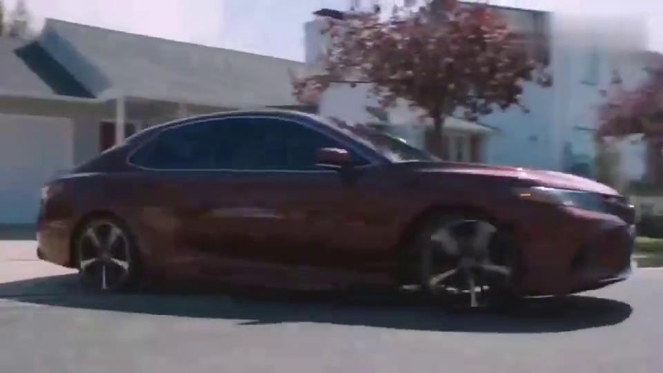 视频:凯美瑞汽车广告,拍出了法拉利的感觉!