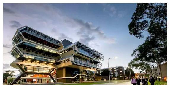 澳洲莫纳什大学学费多少