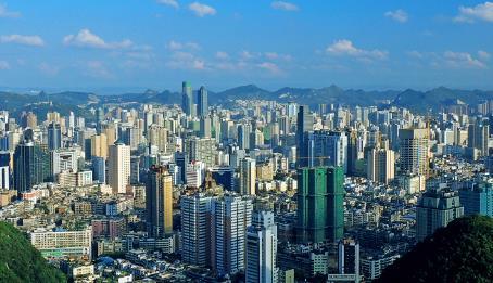 贵州这个城市地理位置处于劣势,经济发展却很迅速,是你的家乡吗