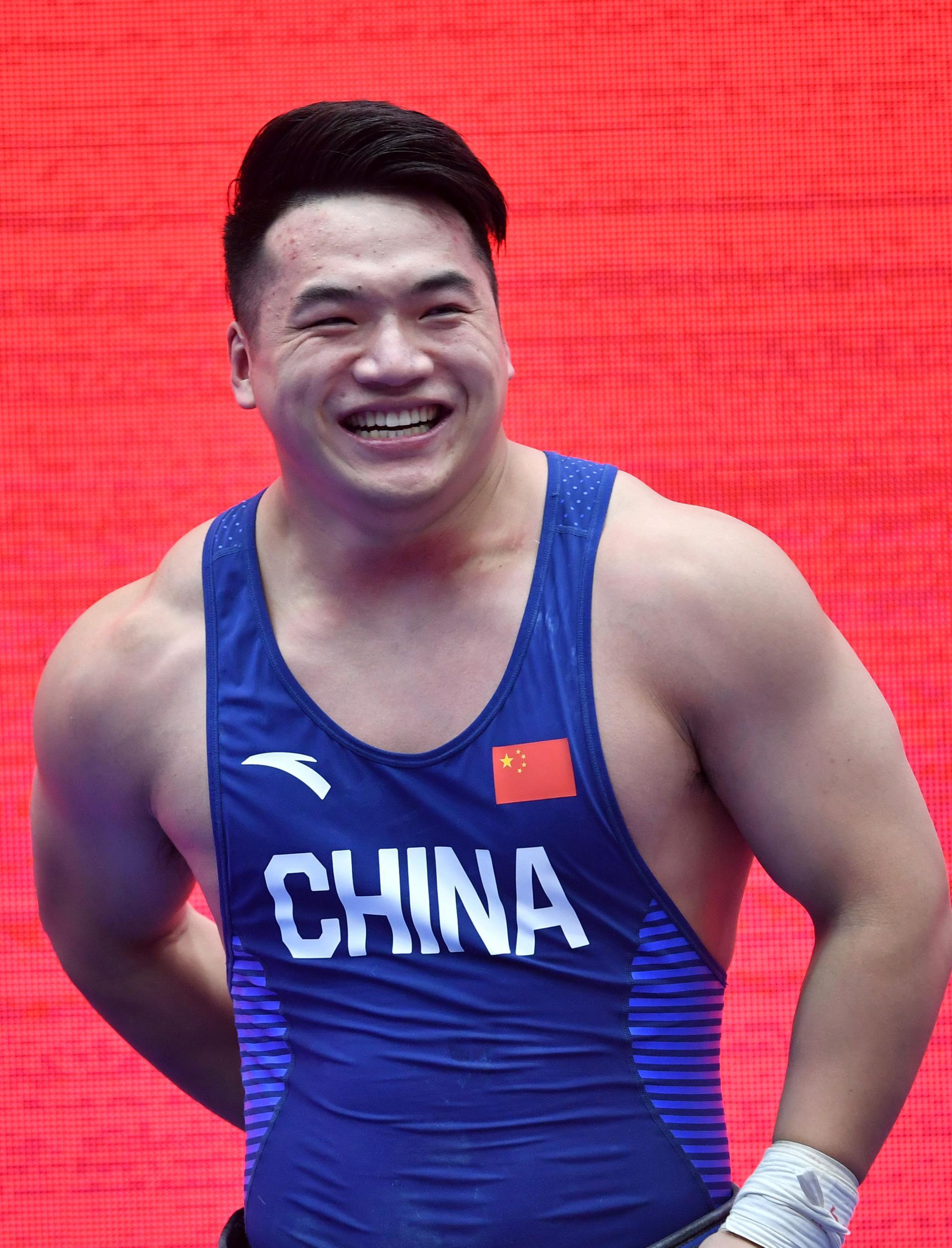 举重——世界杯:田涛获男子96公斤级挺举和总成绩冠军