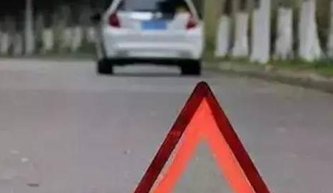 自驾出行安全第一 千万别在高速上干这10件事