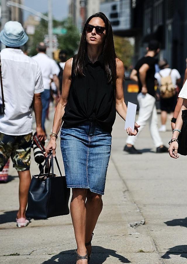 街拍:最潮流的穿搭出街,才是时尚女人最正确的选择