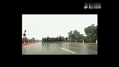 印度阅兵遇见神曲,这气势也是没谁了