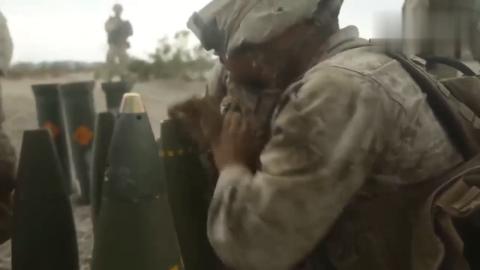 美军给炮弹安装引信的过程