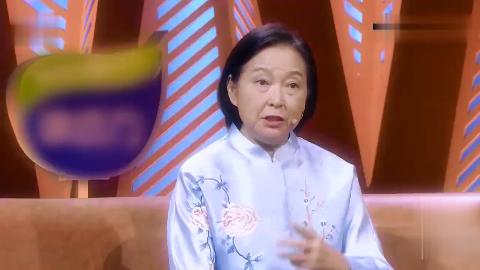 喝彩中华童星演员李小萌舞剑常脱手被打趣观众保险少不了