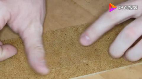 老外用环氧树脂制作一把迷你小锤子真是太惊艳了