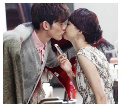 郑爽的6张吻照,图2甜到心里,最后一张却最虐心!
