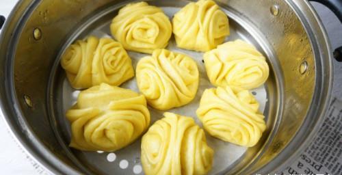 南瓜花卷的做法,暄软香甜,做一锅,好几天早餐都有了