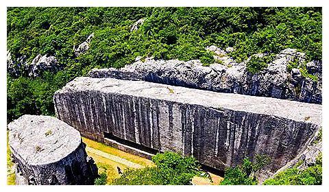 中国最大碑石烂尾工程,一块巨石累死3000多人,如今成旅游胜地