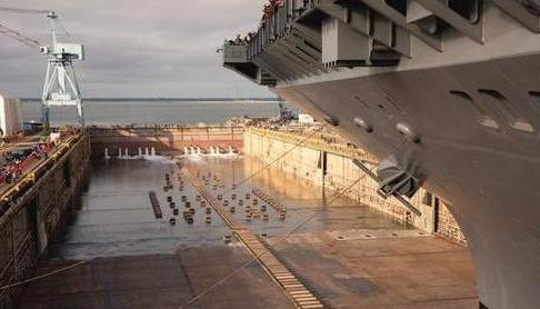 福特号依然百病缠身,肯尼迪号已提前下水,后继舰又一次签约两艘