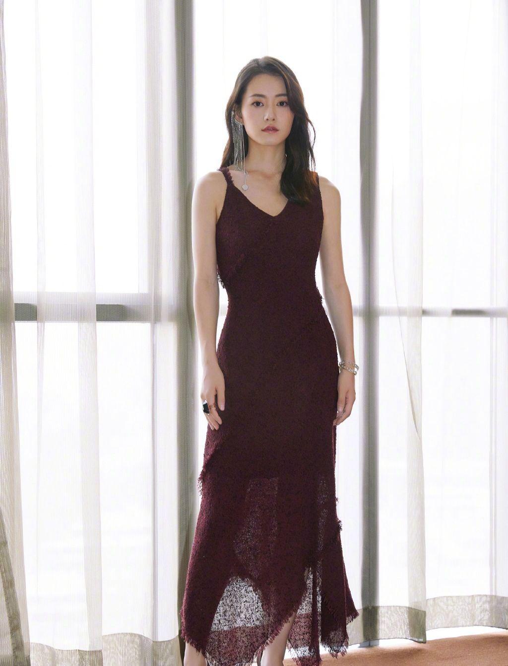 柴碧云-美丽长裙