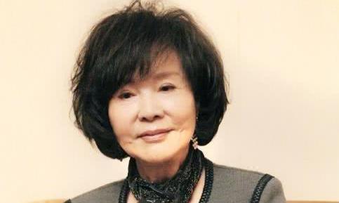 74岁归亚蕾与初恋50年金婚情不变,50岁杨澜女儿长相漂亮比她美