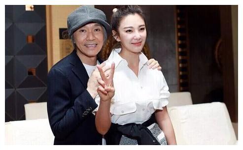 张雨绮以获奖为今生目标 如今获最佳女配角后高调亲吻奖杯