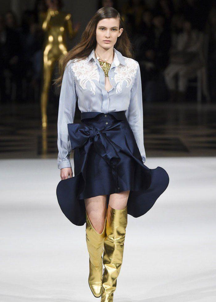 时装秀:模特们穿搭优雅迷人,造型尽显潮流风韵,彰显女性柔美