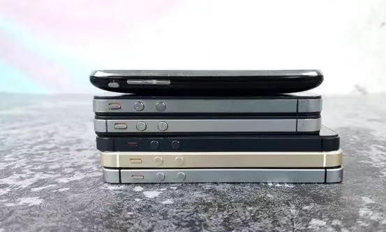 合并耳机孔取消Home键,为什么iPhone发展演变中唯独保留了它