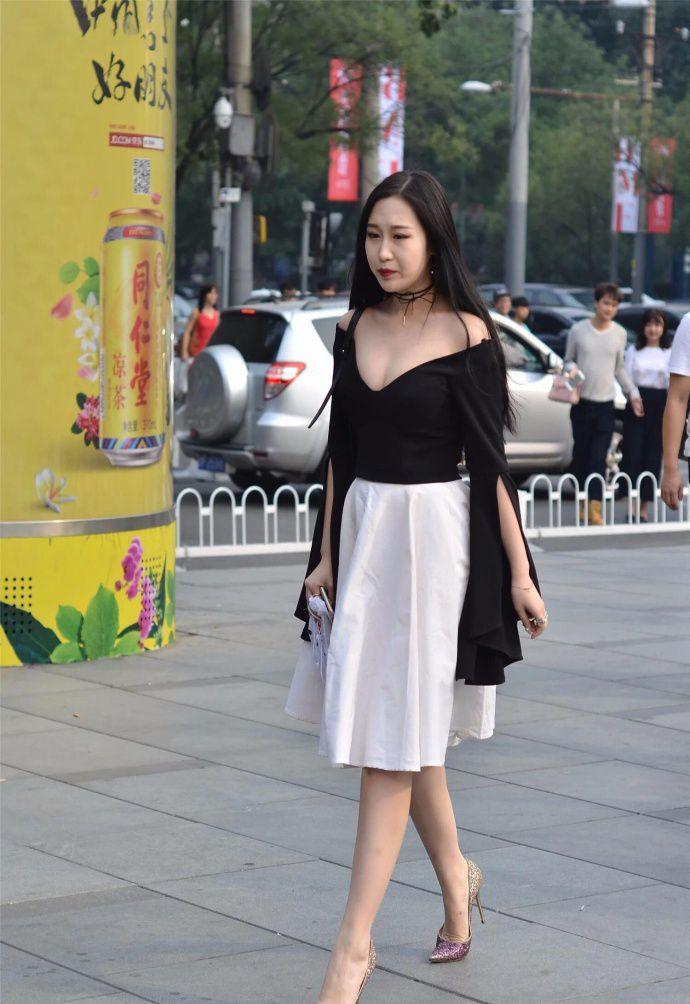 街拍北京:穿衣搭配时尚潮流,走起路来都自信满满!