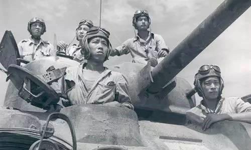 """孟拱河战役,中国驻印军大败日军""""丛林战之王"""""""