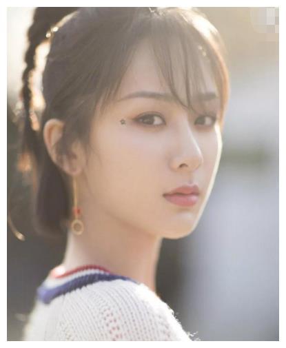 杨姓最美的4位女星,杨紫竟然垫底,杨幂第2,第一名却无人认识