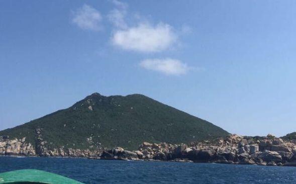 大洲岛人称海南第一岛,环海南沿海线面积最大,是一座无居民岛屿