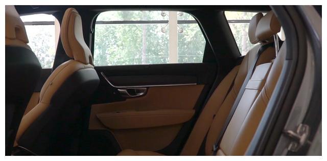 """最美跨界旅行车,有""""北欧旅行家""""之称的沃尔沃V90cc"""