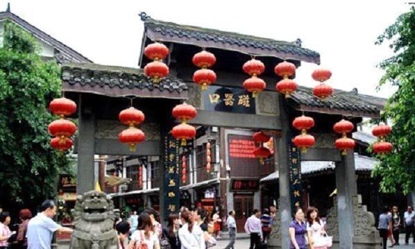 重庆最受人欢迎的景点, 第一名不是洪崖洞, 磁器口排第三