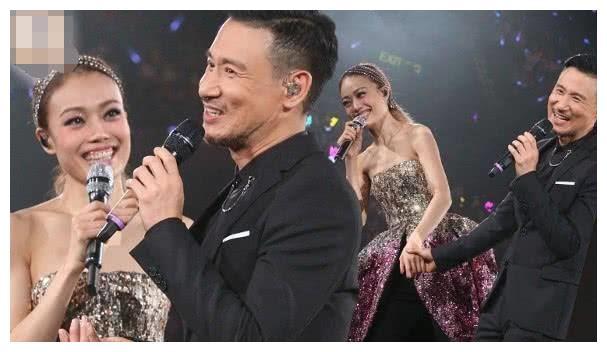 容祖儿演唱会,张学友现场助唱,还不忘向老板杨受成要奖金