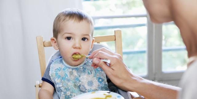 """四种饮食习惯易造成孩子脾虚积食,""""饮食宠溺""""会害了孩子"""