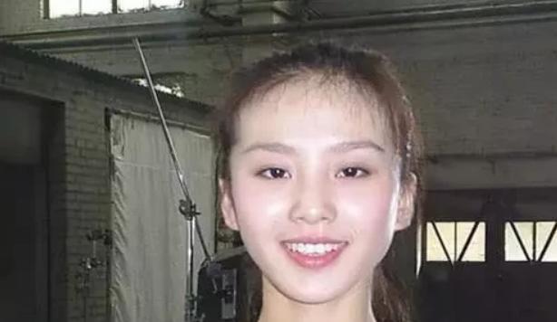 女明星卸妆大揭底:刘诗诗太惊艳,鞠婧祎像学生妹