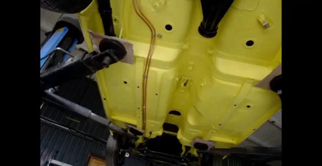 视频:车身展示,国外改装1972年款马自达RX3老爷车