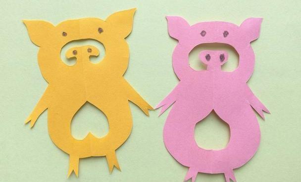 幼儿园亲子剪纸小手工,一张纸剪出一个可爱卡通小猪,有教程