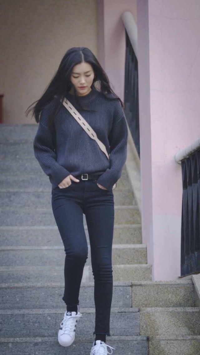 腿精女神刘雯,一波她的街头穿搭来袭,气质清新干净