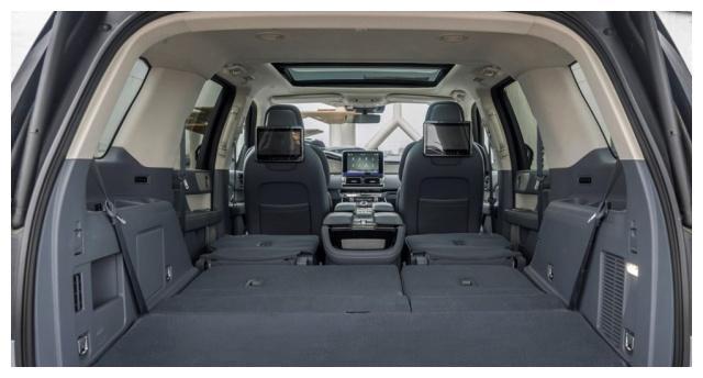 SUV内部空间最大的一款,座椅30项电动调节,领航员表现出色!