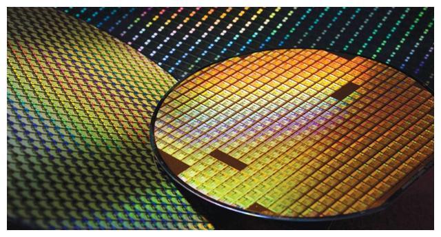 全球首创!中科院再立大功,攻破2纳米芯片关键技术,令世界惊叹
