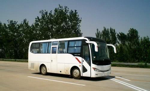 这两款客车你更喜欢哪一款?