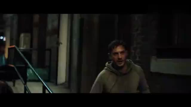 毒液:埃迪被人追击,对方出动无人机小队,全程无尿点!