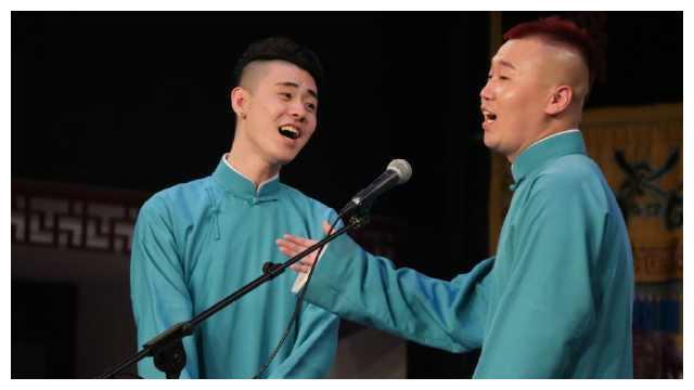 德云社的两名相声演员,张云雷和杨九郎是借助欢乐喜剧人火的吗?