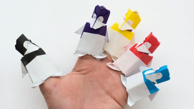 折纸玩具小人指套,逗得小宝宝咯咯直笑!简单又好玩,为宝宝收藏