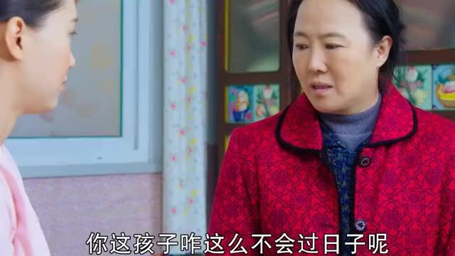 乡村爱情:赵四回家后四嫂生气了,刘能因为大脚的事发愁