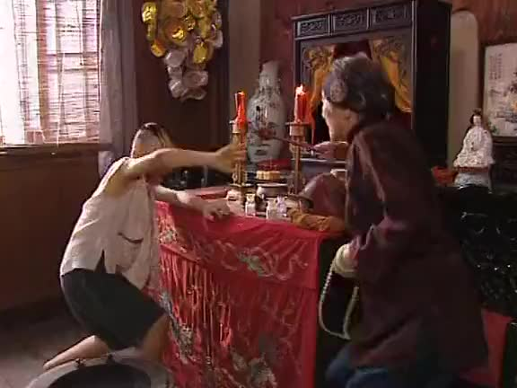 三毛流浪记三毛唱歌真是有一手老太太听到表情都亮了太逗了