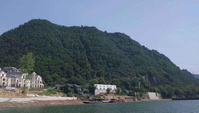 富春江美如画,这里山清水秀空气清新,是一处养生福地