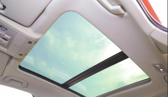 配备全景天窗,1.4T+7DSG动力组合,起售价10.79万
