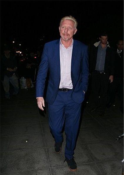 伦敦:贝克尔亮相电视节目录制,银发西装现身精神不