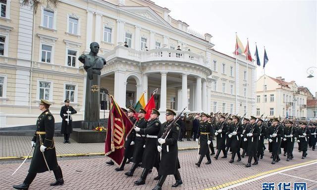 立陶宛庆祝独立102周年