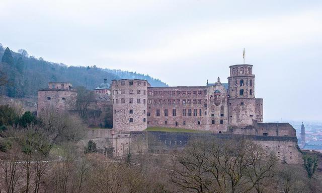 德国版的圆明园,曾是欧洲最大的城堡,后被法国炸成废墟
