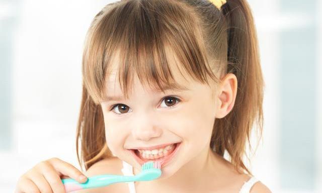 暑期怎样帮助宝宝保持口腔健康?