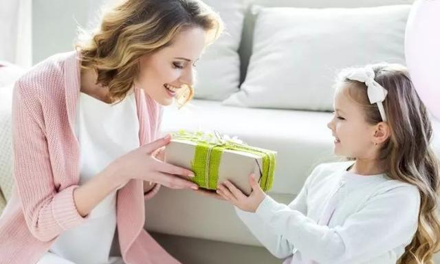 奖励孩子只有物质奖励吗?