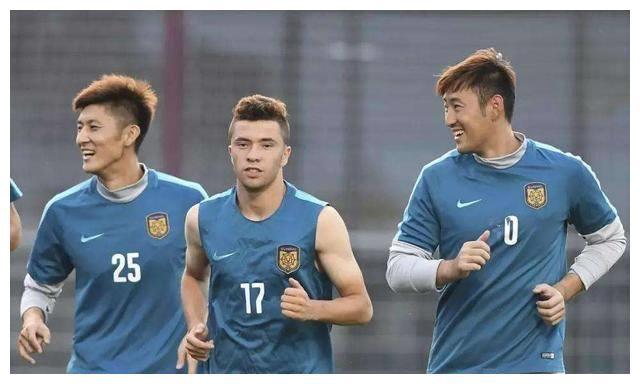 他是苏宁重点培养的新星号称国青C罗!如今租借中甲都难踢主力