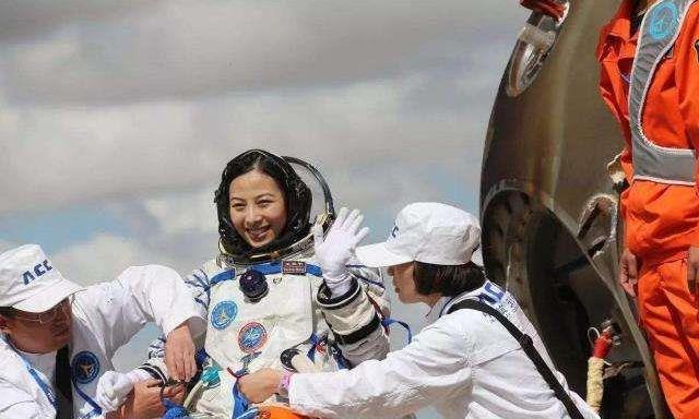 为什么女航天员回到地球,国家禁止生育呢?原因很让人无奈