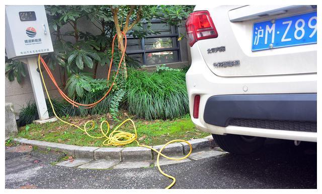 电动车充电太远怎么办?公牛延长线插座拯救你